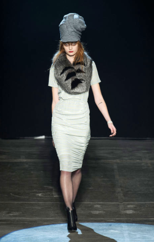 Band of Outsiders New York Fashion Week 2013 - Fur Scarf